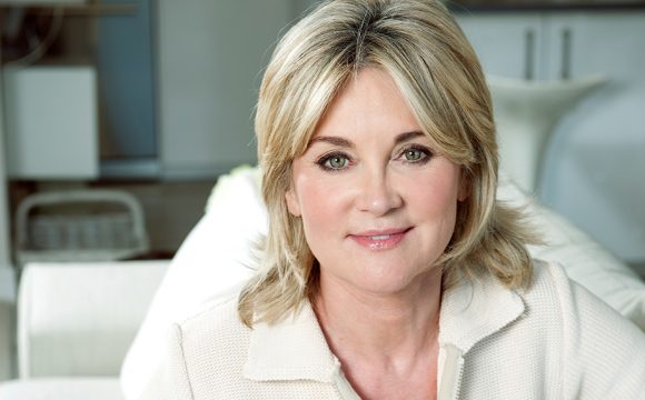 Anthea Turner Set to Sparkle at Holiday World Show Belfast