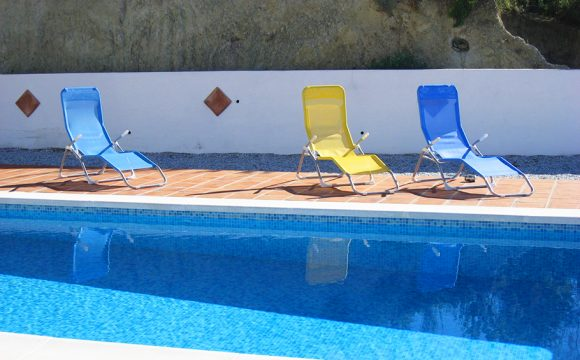 Win the Battle for the Pool-Side Sun Lounger!