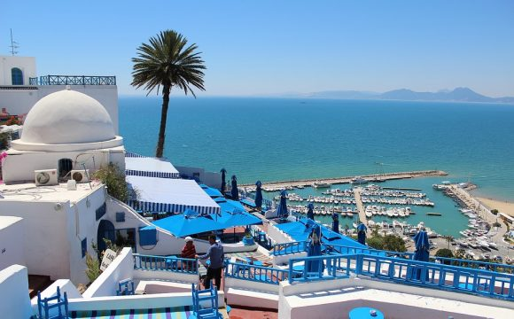 Thomas Cook Flies First British Tourists Back to Tunisia