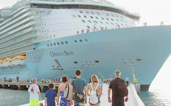 RCI Leads the Field at 2018 Cruise Critic Awards