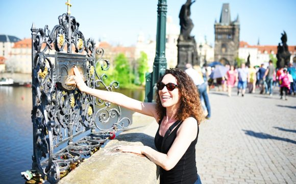 Group Tours for Solo Women to See the World