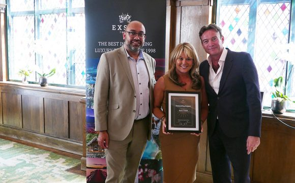 Oasis Travel Win Award at Exsus Travel's First Awards Event