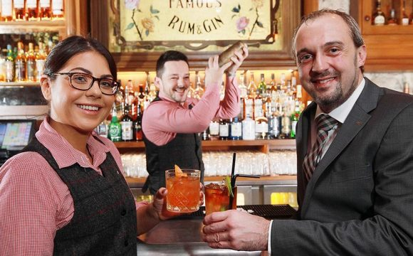 Galgorm Toasts Opening of New Whiskey Lounge Bar