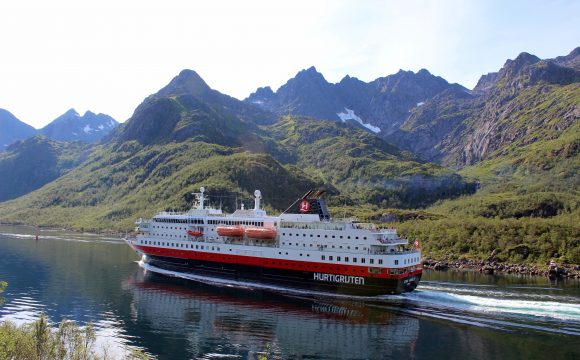 New Onboard Safety Video Released by Hurtigruten