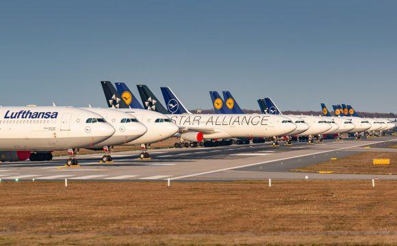 Lufthansa Warns of Subdued Demand