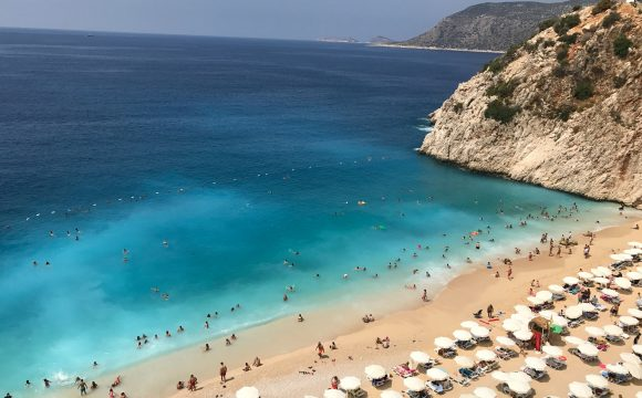 Holiday Prices Fall 'Up to 52%' After Spanish Travel Ban