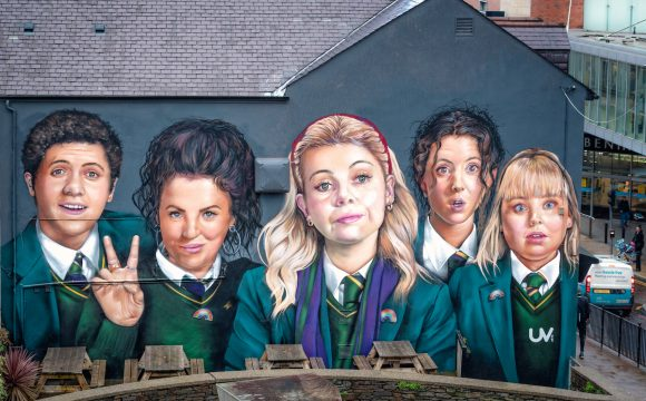 Derry Girls Jamie-Lee and Comedian Patrick Kielty Among Stars to Praise Northern Ireland