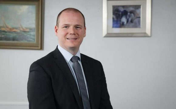 Economy Minister Voices Support for LocalTravel Agents Saying Funding Should Be Extended by Executive