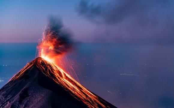 5000 People Evacuated as Canary Island Volcano Eruption Reaches Sea