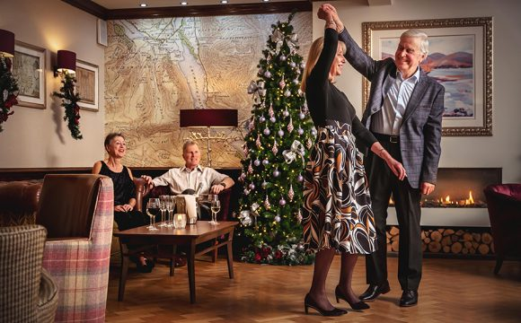 Reservations Rocket for Christmas Parties – as Top festive Tune is Revealed